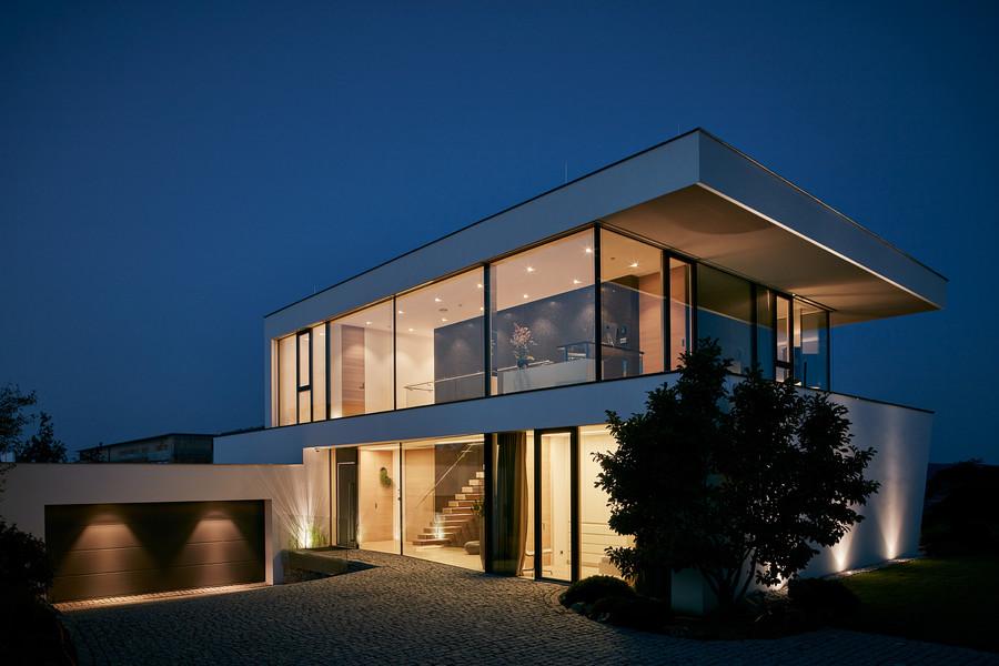 fenster ganzglassysteme exclusive bauen wohnen. Black Bedroom Furniture Sets. Home Design Ideas