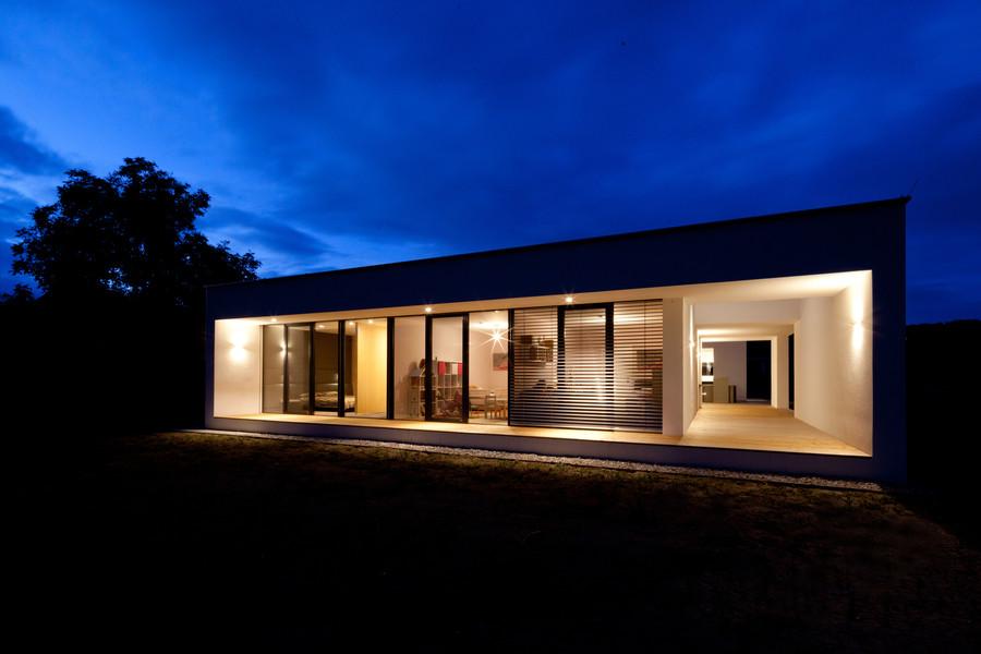 paschinger architekten zt kg moderner bungalow mit innenhof atrium